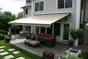Retractable Awnings For Protecting Furniture